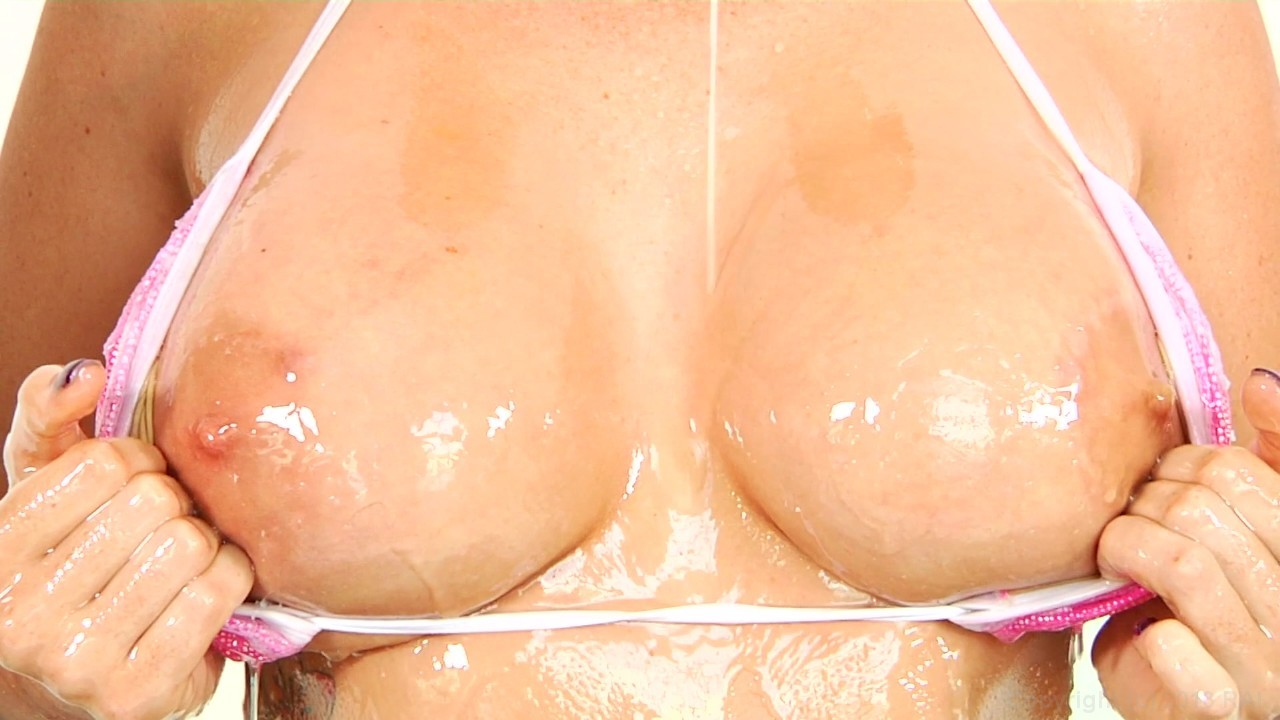 Huge wet breasts video, porno in jeep