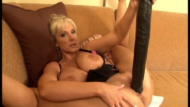 Squirting MILF Has a Huge Toy and BBC Redtube Free.