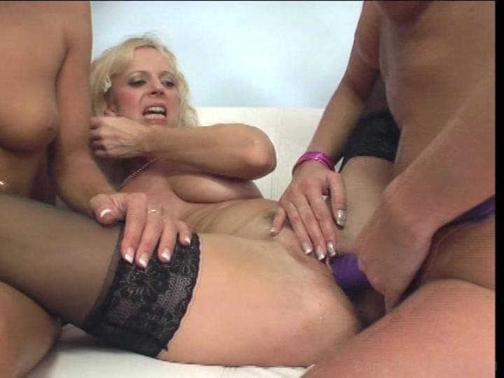 Amateur mature tits nip slip