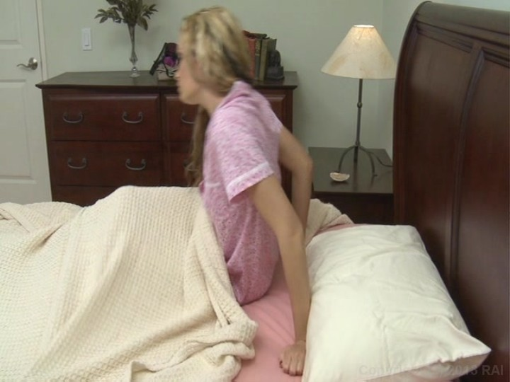 Young Lesbian Girl Seduces Older Woman Porn Videos YouPorn.