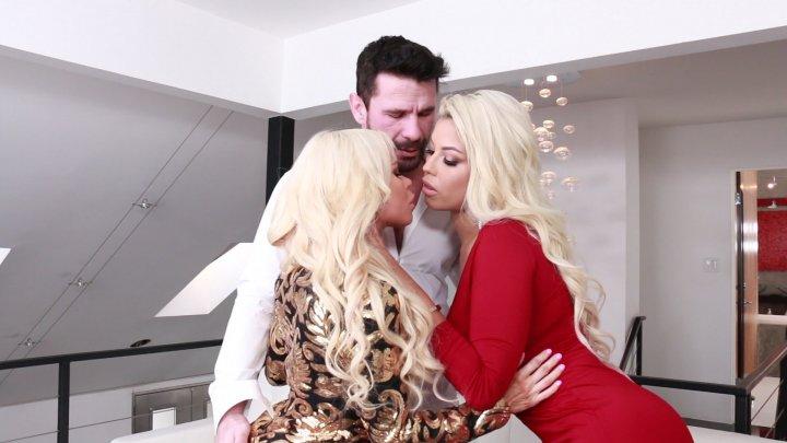 Streaming porn video still #1 from Nikki