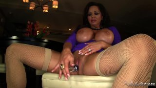 Streaming porn video still #7 from Gorgeous Women Up-Close and Personal 3