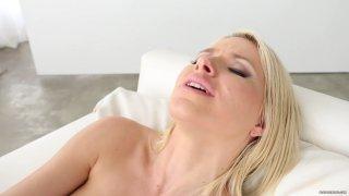 Streaming porn video still #4 from Curvy Girls Vol. 7