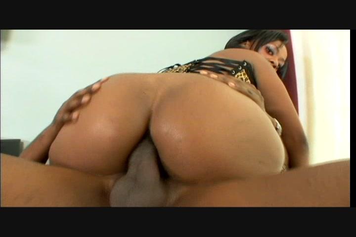 phat black juicy anal booty 2