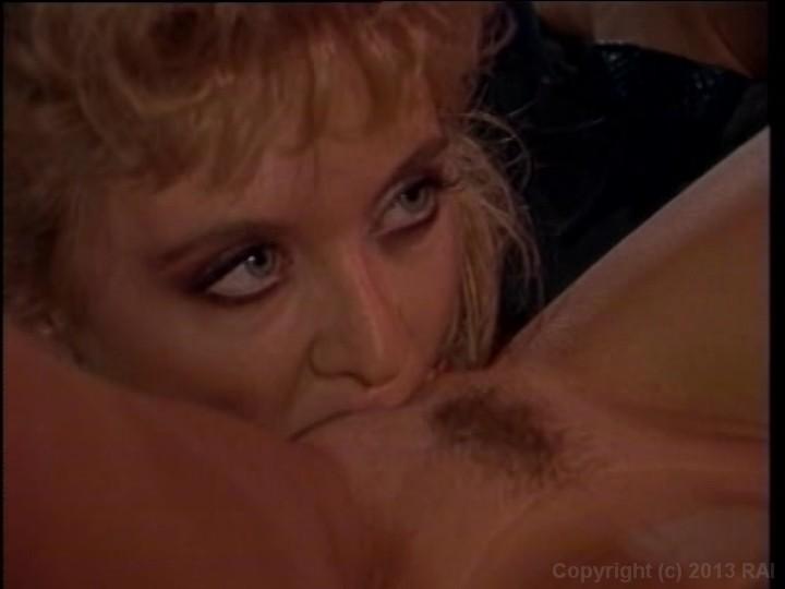 porn photo 2019 Slutty blonde wants a steamy shower fuck brazzers