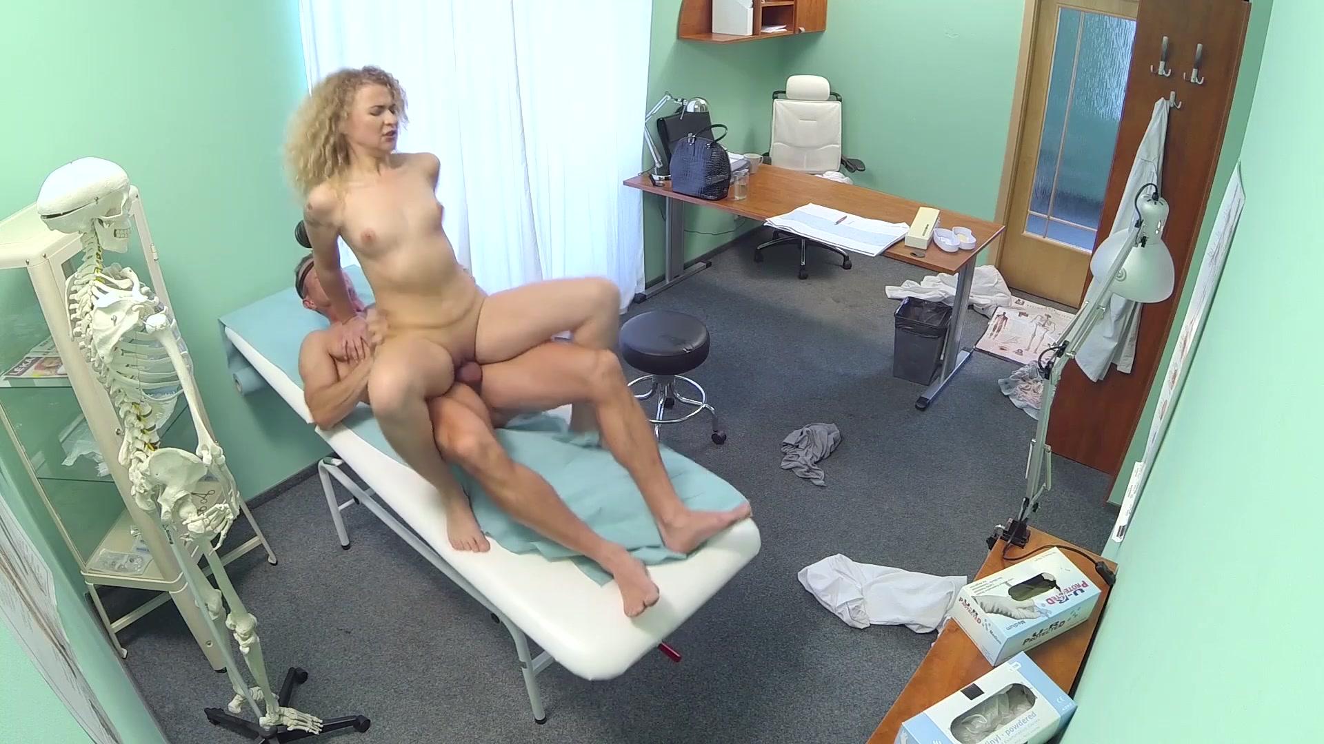 Смотреть fake hospital порно, FakeHospital. Смотреть порно бесплатно от SexoPedia! 15 фотография