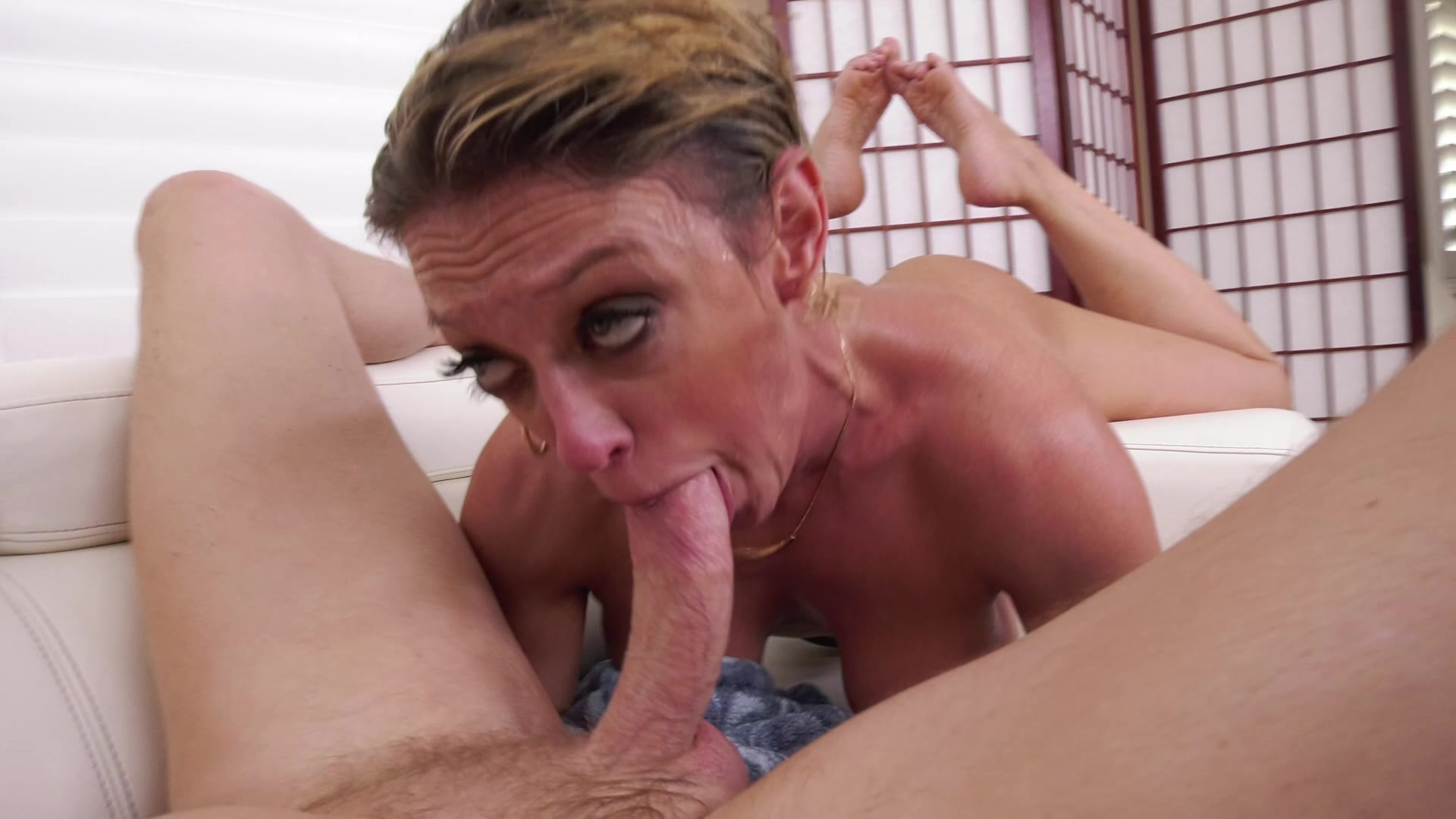 American milf dee williams admires her pussy in the mirror 10