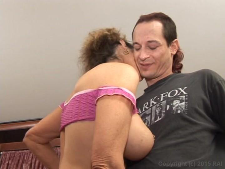Cum Guzzling Grannies 72