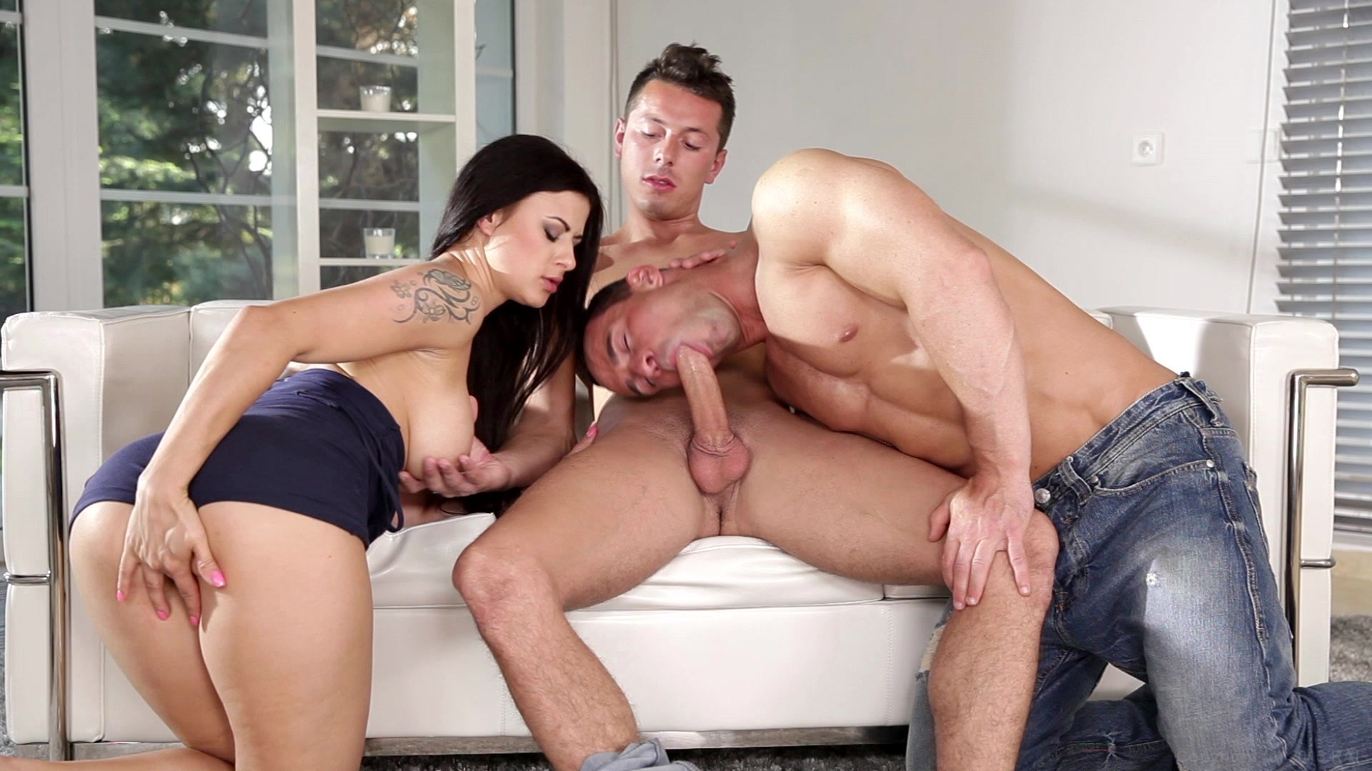 Biempire 5 studs and 2 chicks buttfucking biorgy