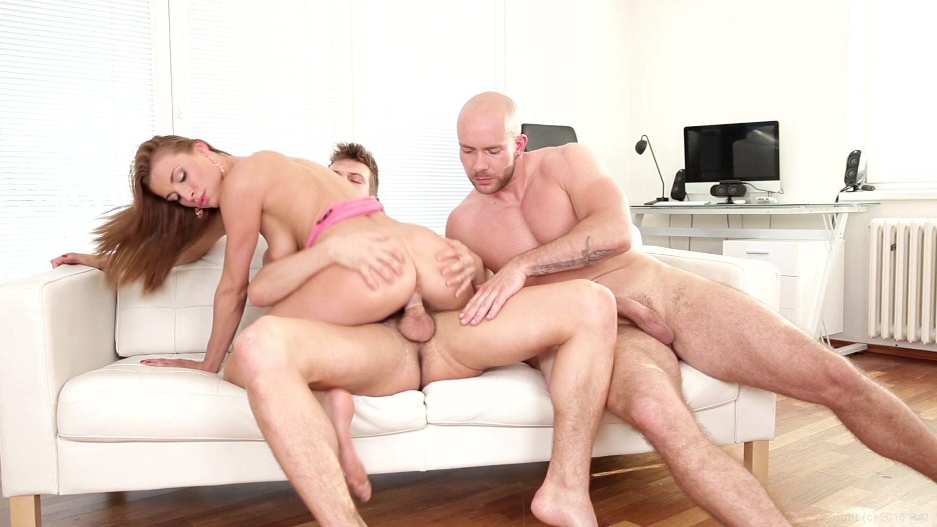 Homemade threesome mmf