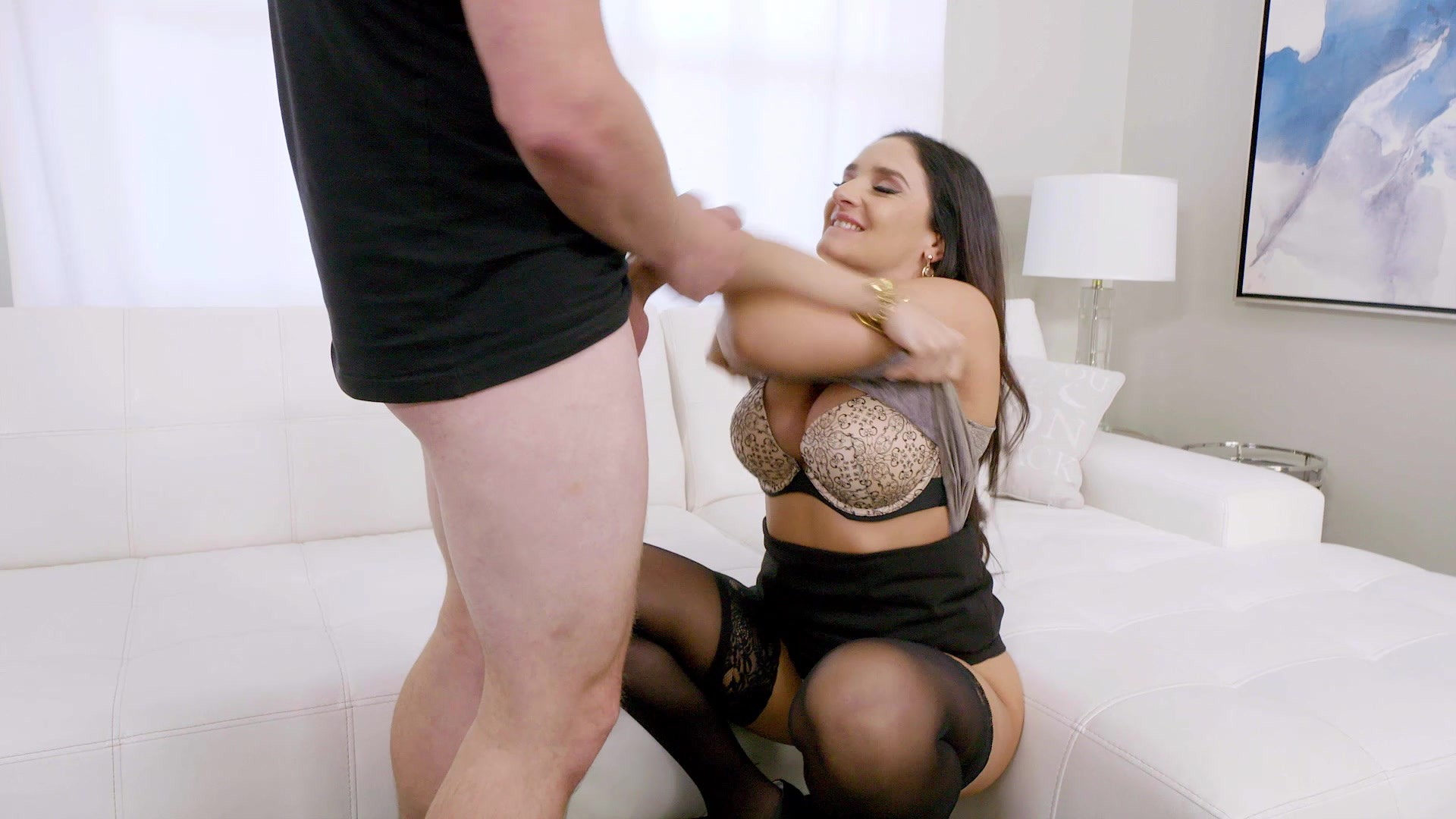 Shemale Fucks Tied Up Guy