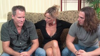 Streaming porn video still #4 from Twisted Family Threeways