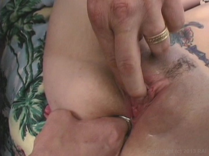 XXX Sex Images Moms getting gang banged