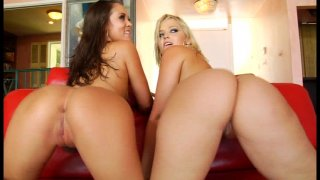 Streaming porn video still #4 from Awesome Threesomes