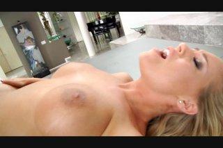 Streaming porn video still #3 from Hot Tits