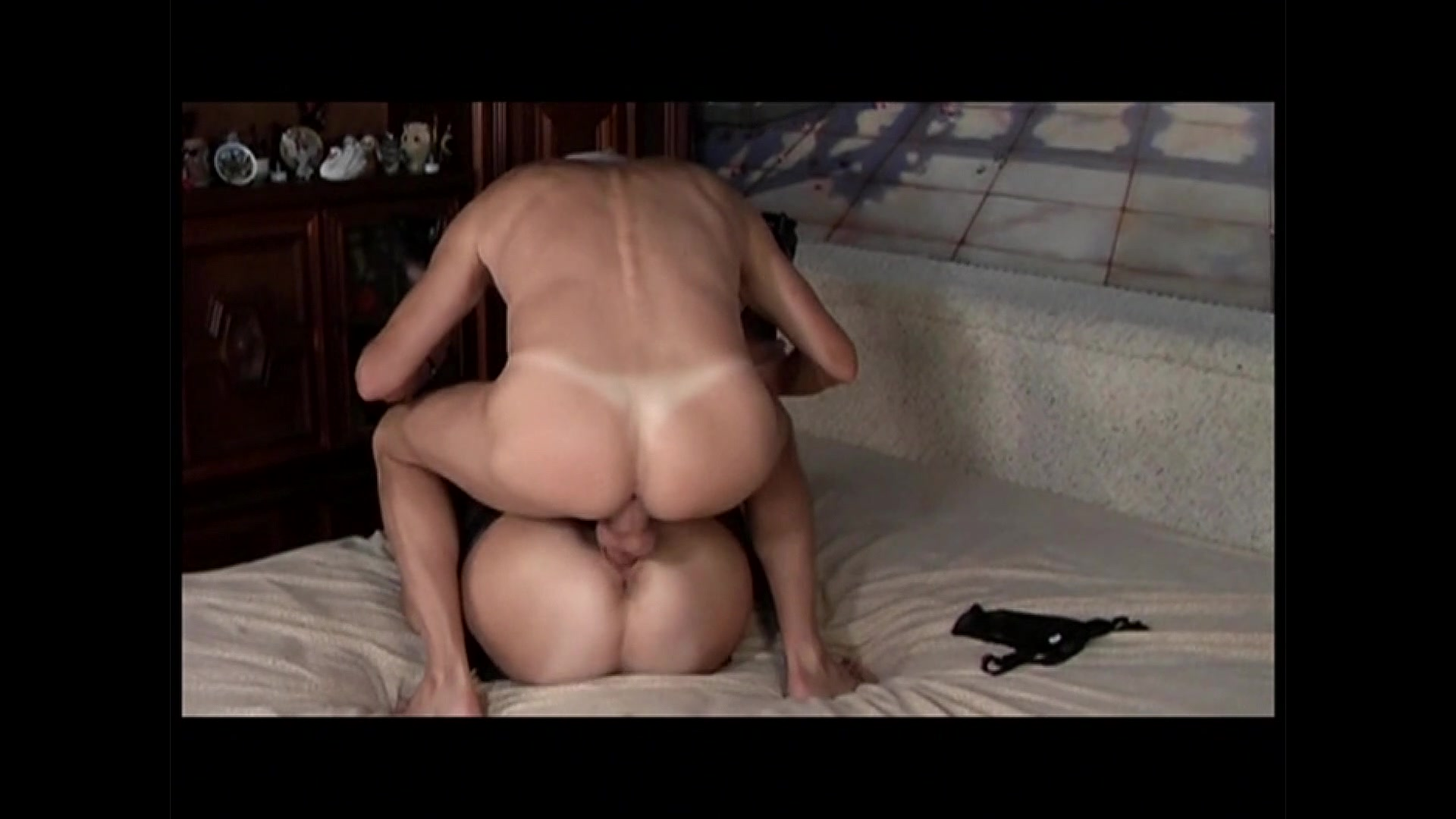 ejaculating dildo blowjob