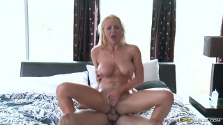Streaming porn video still #7 from Rubbing Down A Horny Slut 2