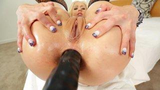 Streaming porn video still #4 from Holly Hanna's Ass Fucked Open