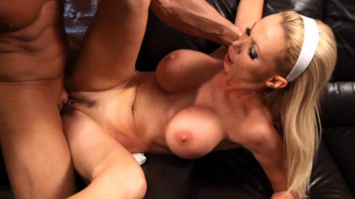 Rub menthol on female anus