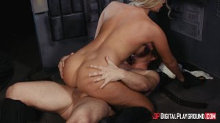 Streaming porn video still #8 from Hand Solo