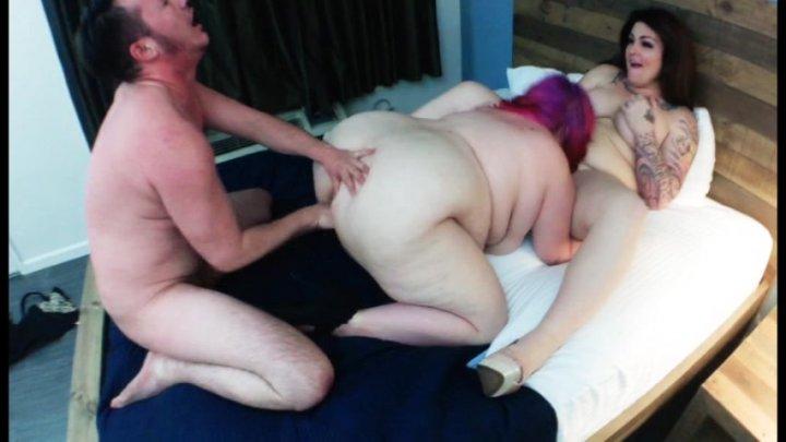 Sexy Studs Take Turns To Taste Hard Cock