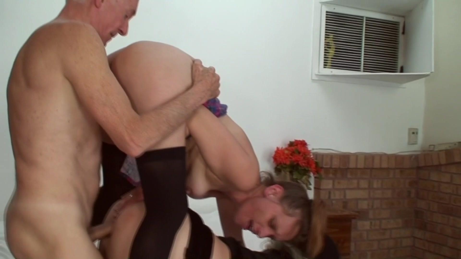 threeway ass licking