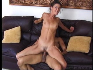 Streaming porn video still #5 from Anal Maniacs