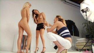 Streaming porn video still #4 from Lesbian Allure