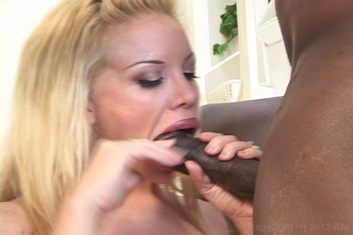 lesbian squirting on pussy