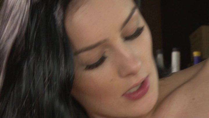Nikki hearts licks shyla jennings lesbian shaved pussy 6